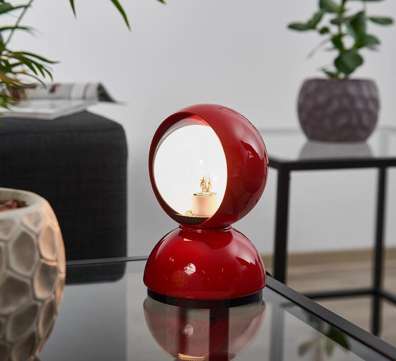 Lampada Artemide ideata dal designer Vico Magistretti