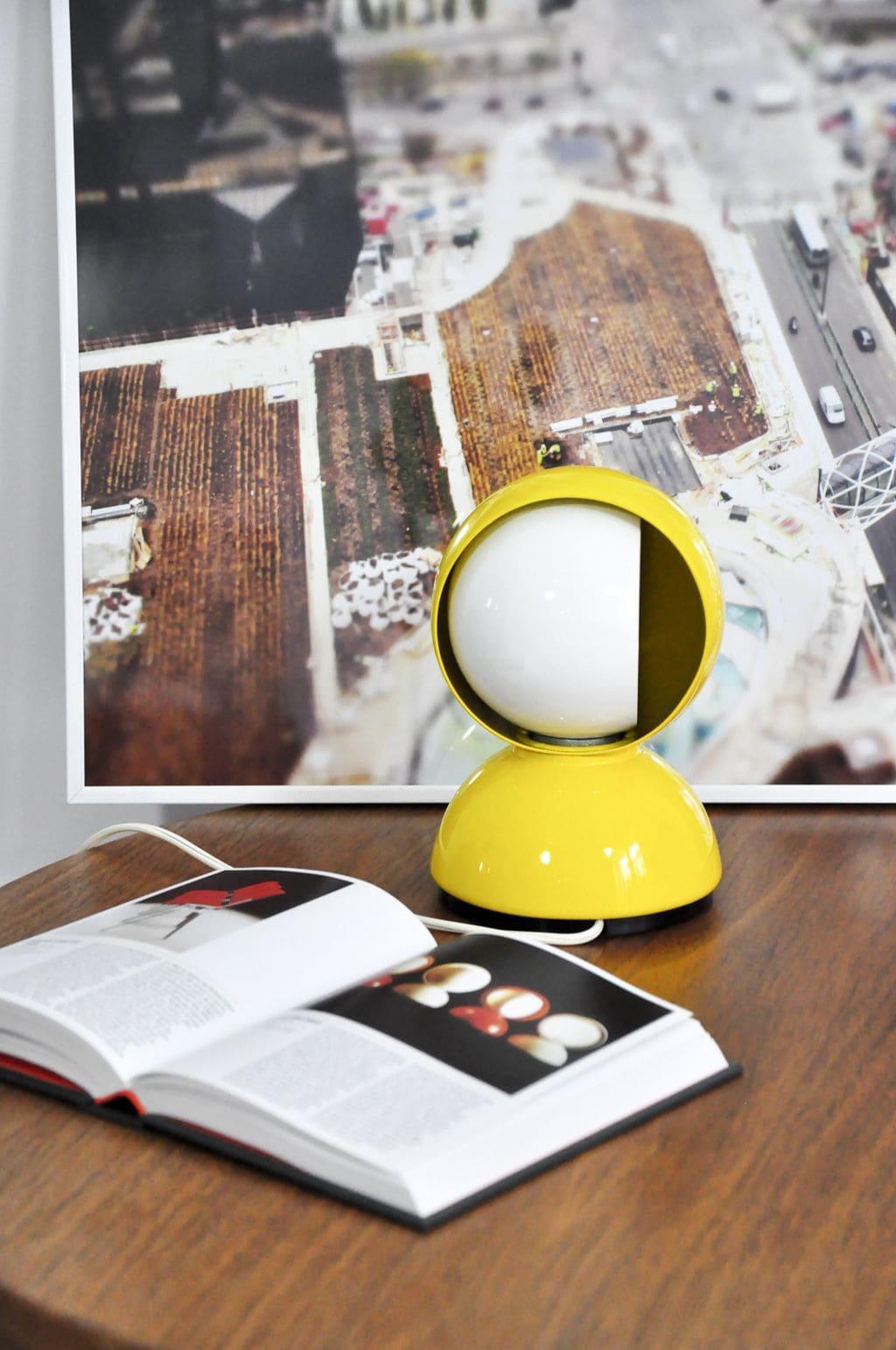 Vico Magistretti, lampada da tavolo