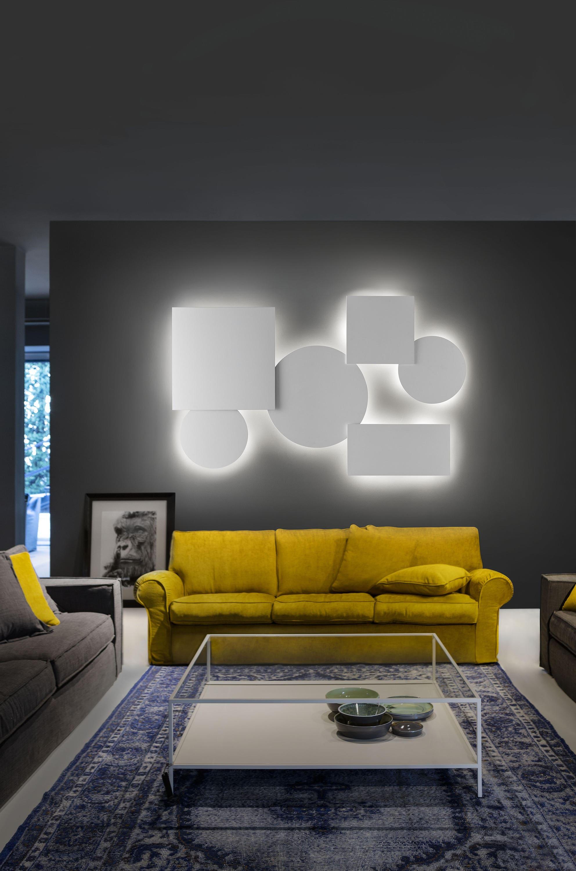 applique di design per illuminazione del soggiorno